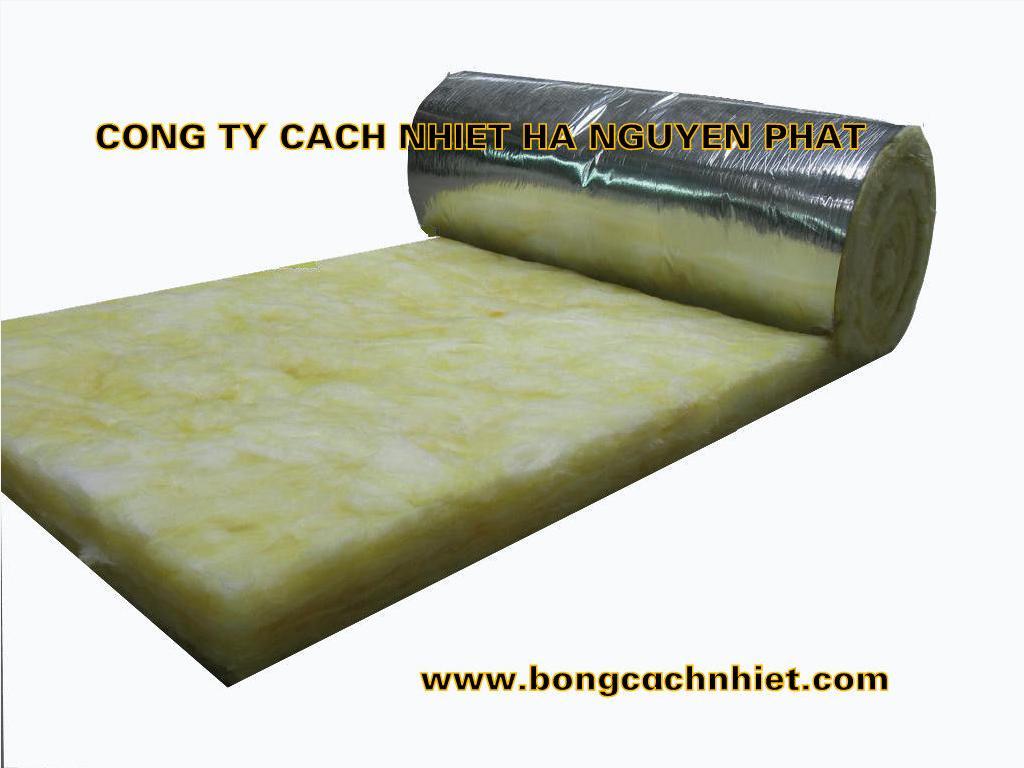BÔNG THỦY TINH CÓ BẠC 32KG/M3 DÀY 50MM